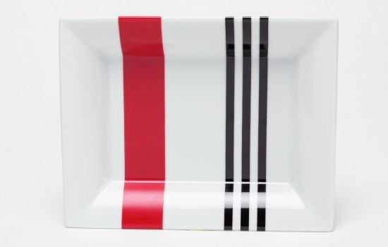 Rouge & Noir Cendrier - Red & Black Ashtray